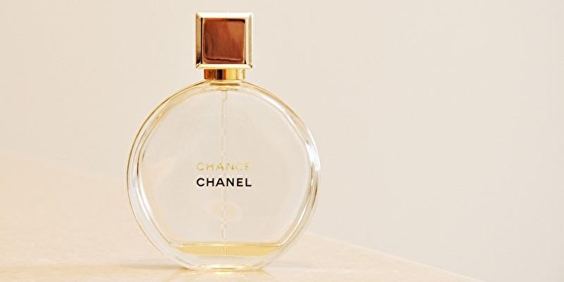 シャネルの香水チャンスのパッケージボトル