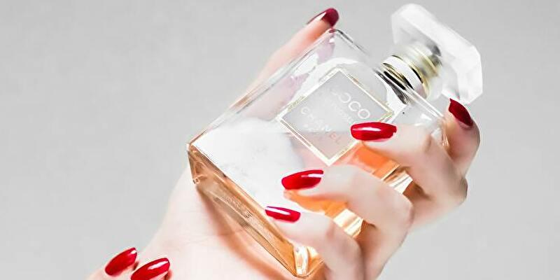 シャネル香水ココマドモアゼルのパッケージボトル
